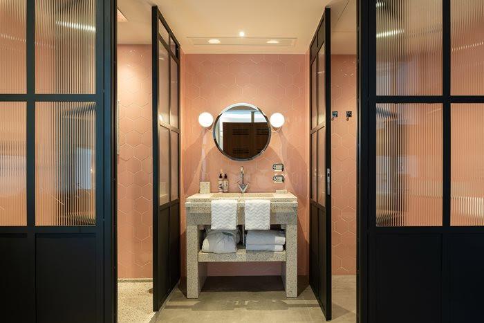 Inspirational Italian Bathroom | archilovers.com