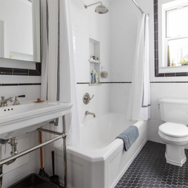 Smart black and white bathroom